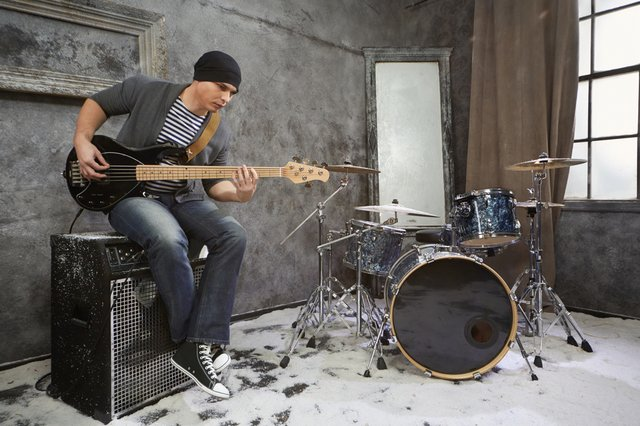 <p>What is the best guitar for home use? We review the best portable amplifiers from Fender and moreWhat is the best guitar for home use? We review the best portable amplifiers from Fender and more</p>