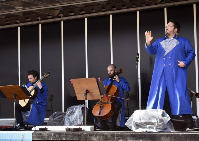 """Scottish Opera's outdoor Pop-Up Opera show """"A Little Bit of The Gondoliers""""."""