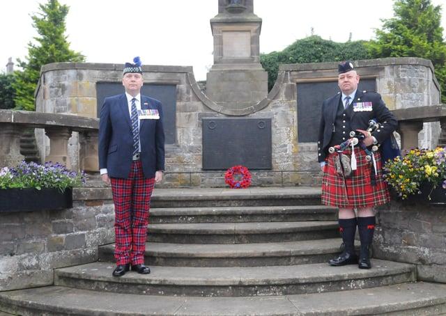 David Deacon and Kevin Turnbull at Selkirk War Memorial.