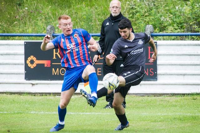 Ryan Shepherd playing for Hawick Royal Albert United against Civil Service Strollers' under-20s (Photo: Bill McBurnie)