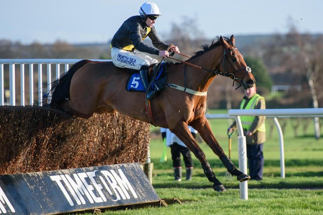Seeyouatmidnight wins at Kelso for Greenlaw trainer Sandy Thomson (library image by Alan Raeburn).