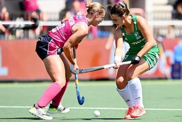 Let's stick together ... Sarah Robertson, left,  in European action recently for Scotland against Ireland (picture by Eurohockey)