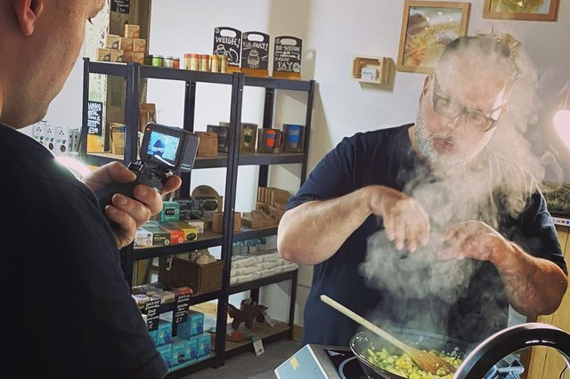 MasterChef winner Steven Wallis filming and cooking with ingredients available from Beautiful Planet