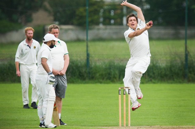 Energetic bowling from St Boswells player Scott Marshall (picture by Bill McBurnie)