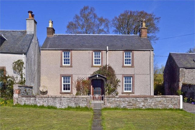 The beautiful Holm Cottage in Midlem.