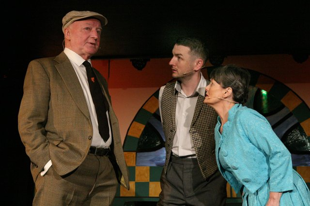 Dave Anderson with the cast of Chic Murray - A Funny Place for a Window