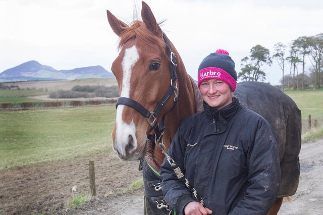 Amy Coltherd with Dequall, a 2016 Chestnut Gelding.
