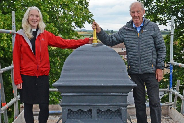 Rev Anna Rodwell and Eddie Robertson with the new ventilator.